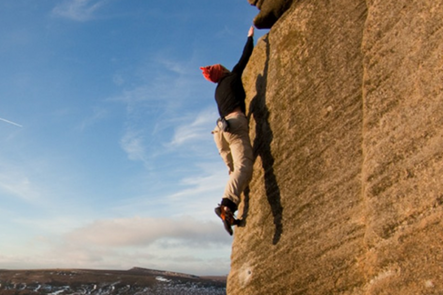 Beginner Outdoor Rock Climbing Course image
