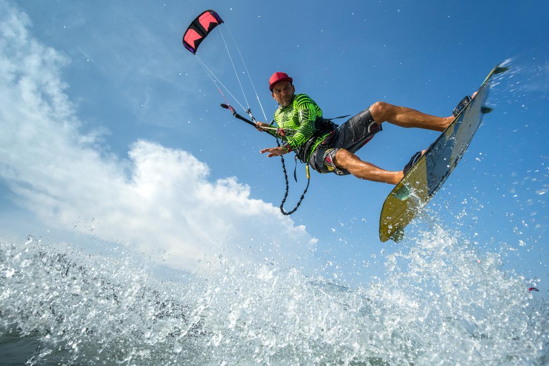kitesurfing-lessons