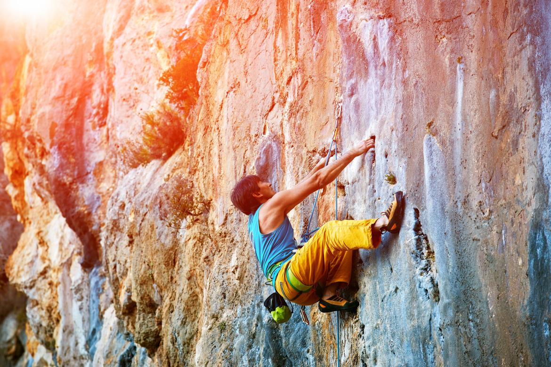 extreme-sports-bucket-list-rock-climbing