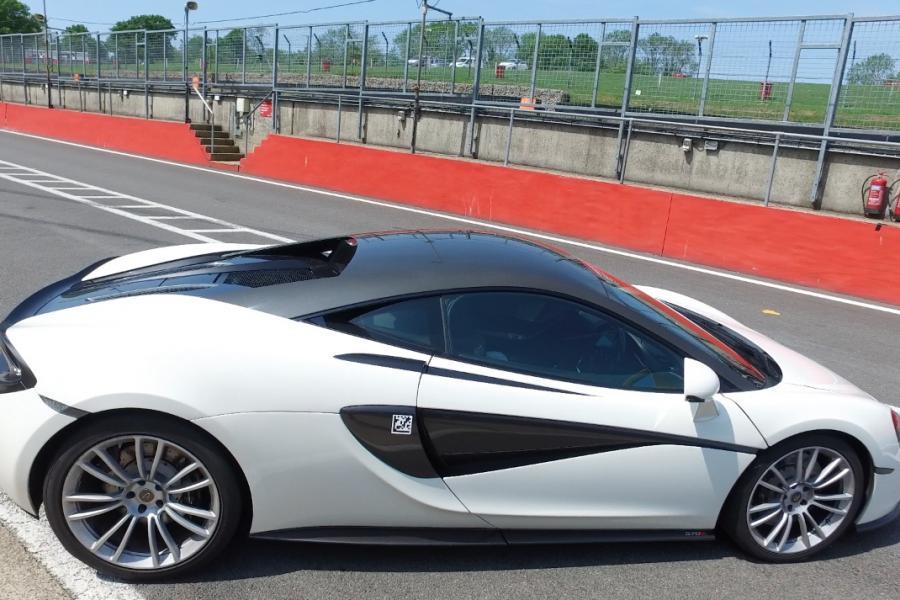 McLaren 570s Driving Experience image