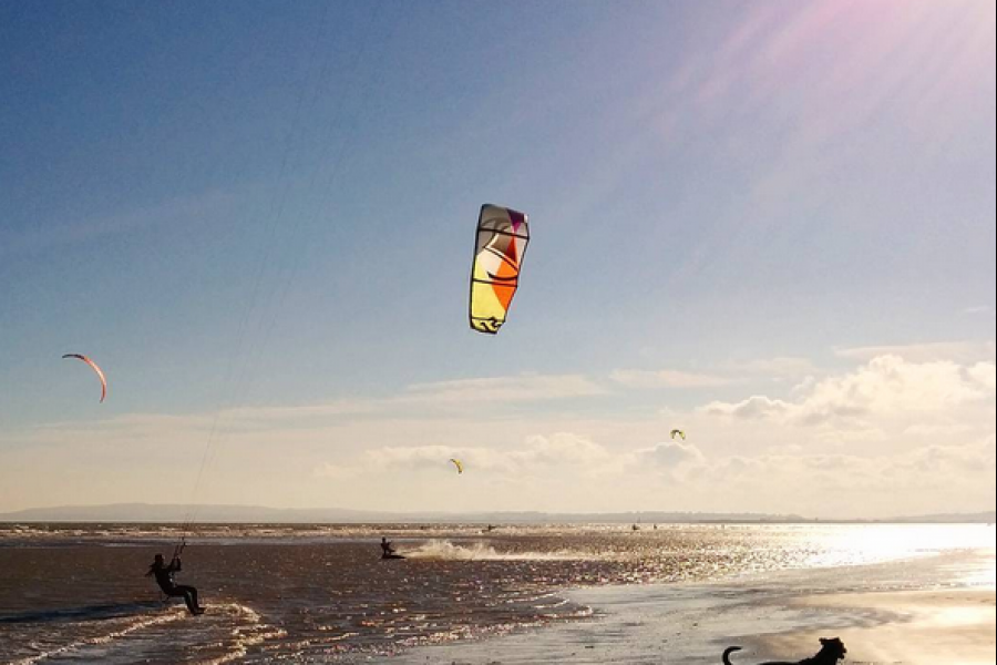 2 day Beginner Kitesurfing Lesson image